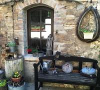 Stichbogenfenster aus Holz