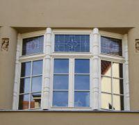 Holzfenster mit Bleiverglasung