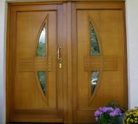 2-tlg. Eingangstür, Füllung Rodenberg, Holzart Meranti, endbehandelt Lasur