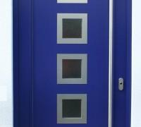 Moderne Eingangstür mit Edelstahlapplikation, Langenbogen