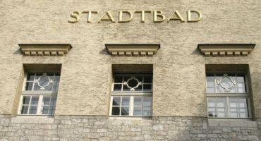 Holzfenster für Stadtbad Halle Saale Kastenfenster Rundbogenfenster